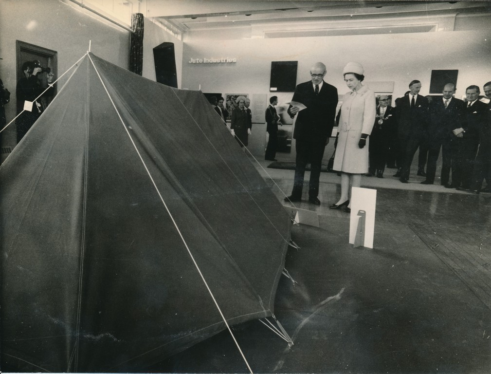 Photograph of the Queen presented with a tent, May 1969 DUNIH 2017.16.2.31