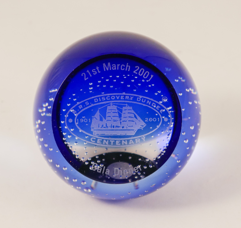 Centenary Paperweight, RRS Discovery DUNIH 2018.1.3