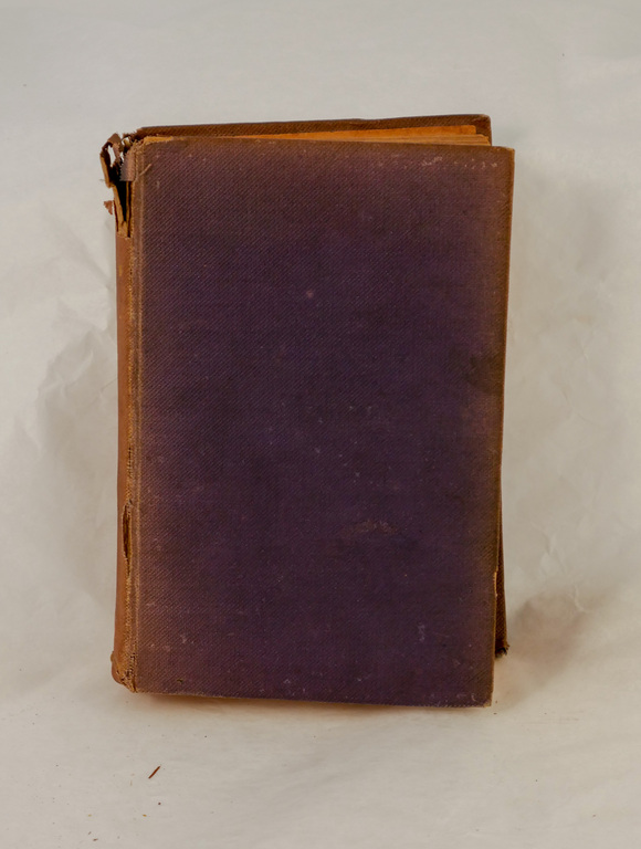 'Bacon, Franklin and Nelson'-Book part of Discovery 1901-1904 library DUNIH 2018.24.21