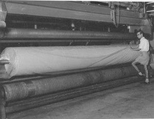 Image of Carpet backing being covered DUNIH 200.9