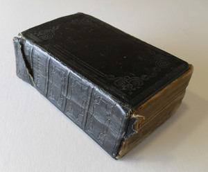 Image of Bible belonging to Hugh Scott, Mid Wynd Dundee DUNIH 2009.47