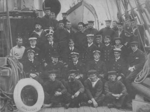 "Image of Officers and crew of ""Discovery"", 1904 DUNIH 23.1"