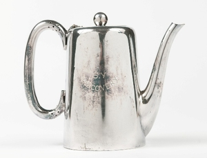 Image of Coffee Pot engraved S.Y Discovery, relating to Banzare DUNIH 516.3