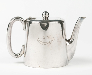 Image of Teapot engraved 'S.Y Discovery', related to Banzare DUNIH 516.4