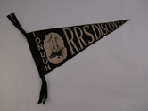 Image of Pennant Souvenir from RRS Discovery DUNIH 2015.8.1