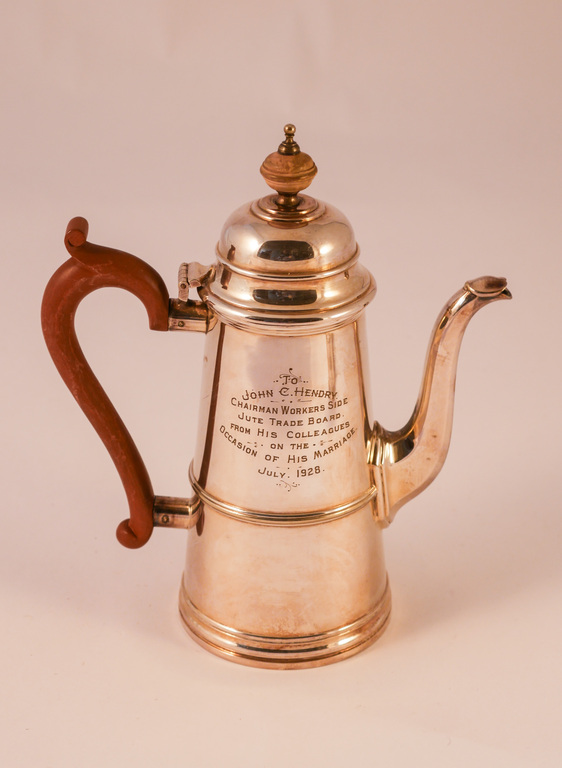 Silver plated coffee pot DUNIH 2011.36.1