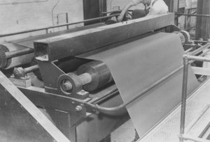 Image of Linoleum production in Dundee DUNIH 2008.14.1