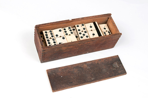 Image of Box of Dominoes DUNIH 2010.7.1
