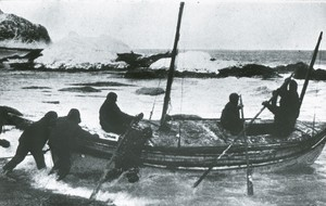Image of The launching of the James Caird from Elephant island ROY.30.2.3