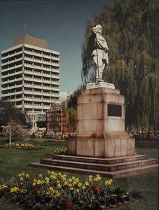 Image of Photograph of Scott Statue K. 42
