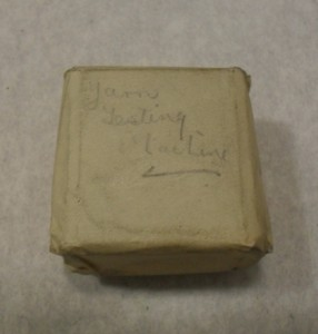 Image of Small wrapped printing block of yarn testing machine DUNIH 284.133