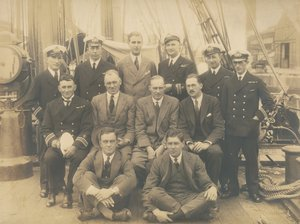 Image of Officers and Scientists from Oceanographic Expedition on deck of Discovery DUNIH 2017.2.52