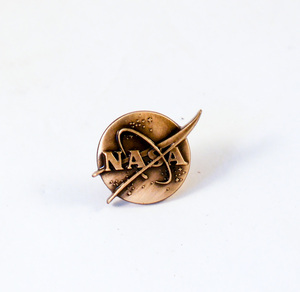 Image of Monochrome lapel badge, NASA DUNIH 2018.7.8